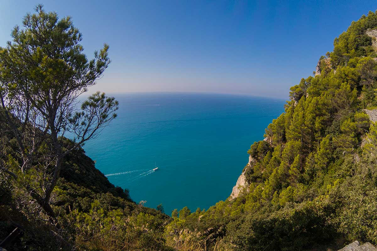 liguria-panorama-a-picco-sul-mare